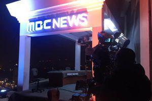 Truyền hình Hàn Quốc dựng trường quay dã chiến trên nóc khách sạn Daewoo Hà Nội