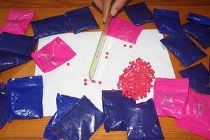 Nghệ An: Bắt đối tượng vận chuyển gần 5.000 viên ma túy tổng hợp