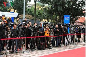Báo chí quốc tế đổ bộ 'săn tin' về Thượng đỉnh Mỹ-Triều tại Hà Nội