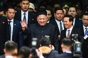 Hình ảnh ấn tượng đầu tiên khi ông Kim Jong -un đến Việt Nam