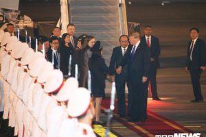 Những hình ảnh đầu tiên của Tổng thống Mỹ Donald Trump tại Hà Nội