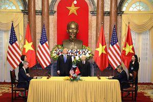 Vietnam Airlines ký hợp tác nâng cấp công nghệ hàng không