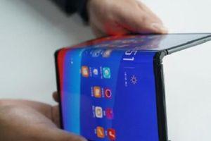 Oppo bất ngờ tiết lộ smartphone gập lại đậm chất 'Huawei Mate X'