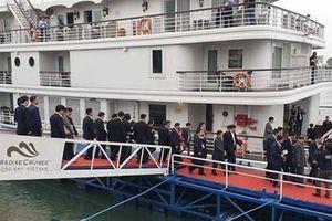 Du thuyền đưa đoàn lãnh đạo cấp cao Triều Tiên tham quan Vịnh Hạ Long