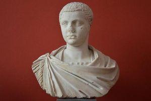 Quái gở thú vui bán dâm kỳ quặc của hoàng đế La Mã