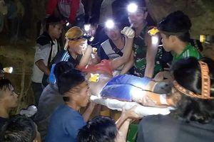 Sập mỏ vàng ở Indonesia, hàng chục người bị chôn vùi