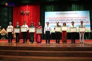 20 thầy thuốc được trao tặng giải thưởng 'Tỏa sáng Blouse trắng'