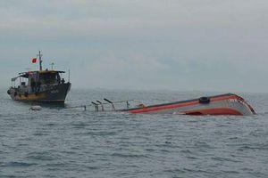 Tàu cá va chạm tàu hàng, 1 ngư dân tử nạn, 1 mất tích