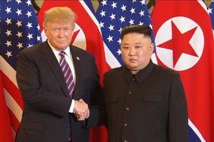 Thời khắc lịch sử Tổng thống Mỹ Donald Trump gặp Nhà lãnh đạo Triều Tiên Kim Jong-un tại Hà Nội