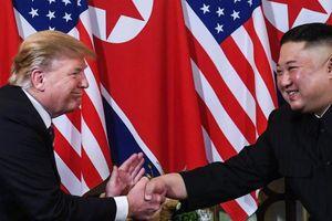 Gặp ông Kim Jong Un, ông Trump hứa 'một tương lai tuyệt vời' cho Triều Tiên