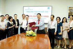 Ngày Thầy thuốc Việt Nam: PV GAS ủng hộ 1 tỷ đồng cho chương trình thiện nguyện
