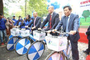 Ông Park Hang Seo đi xe đạp hưởng ứng chương trình Sức khỏe Việt Nam
