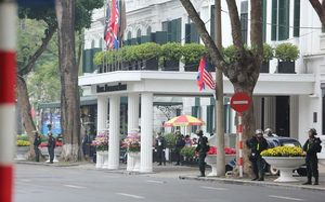 An ninh thắt chặt tại khu vực khách sạn Metropole