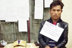 Bắt một người Lào vận chuyển hàng trăm nghìn viên ma túy tổng hợp