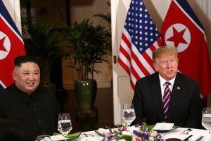 Một số phóng viên quốc tế bị Mỹ cấm vào tiệc tối Trump-Kim