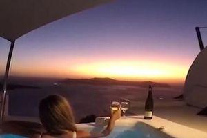 Ngắm hoàng hôn đẹp tựa 'thiên đường' ở Santorini
