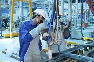 Thị trường lao động: Rô bốt sẽ thay thế lao động giản đơn