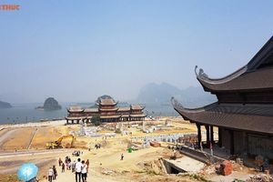 Vì sao hàng vạn người kéo đến chùa Tam Chúc của đại gia Văn Trường?