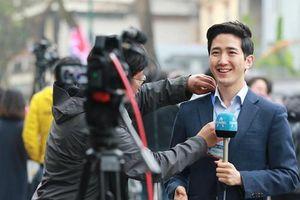 Nam PV Hàn Quốc hào hứng khoe được lên báo Việt Nam