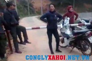Doanh nghiệp Lạc Hồng lập barie cấm đường, lấp hồ làm dự án khiến người dân bức xúc?!