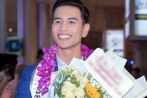 Nam vương quốc tế Trịnh Bảo về nước sau chiến thắng thuyết phục tại Mister International 2019