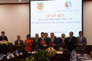 Ký kết Quy chế phối hợp công tác giữa Bộ Tư pháp - Bộ Tài nguyên và Môi trường