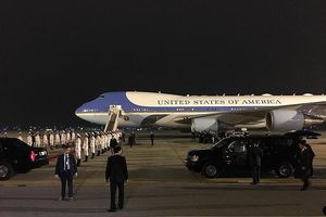 Chuyên cơ Air Force One của Tổng thống Mỹ được bảo vệ thế nào tại Nội Bài?