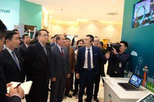 Ba Ủy viên Bộ Chính trị Triều Tiên thăm nhà máy thiết bị Viettel