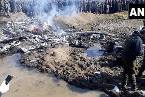 Khủng hoảng gia tăng, Ấn Độ tuyên bố bắn hạ 1 máy bay Pakistan