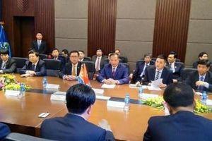 Phái đoàn ngoại giao Triều Tiên đến thăm nhà máy An Phát Plastic