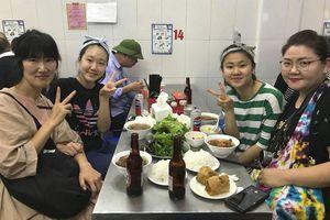 Du khách quốc tế ấn tượng mạnh về Hà Nội