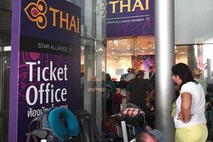 5.000 hành khách bị kẹt lại Bangkok vì Pakistan đóng cửa không phận