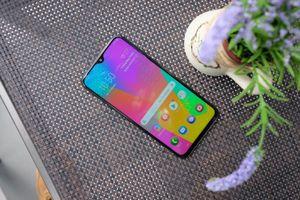 Những điều cần biết về smartphone dòng M của Samsung
