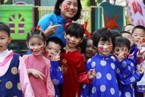 Cô trò trường mẫu giáo Việt Triều háo hức đón phái đoàn Triều Tiên