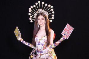 Đỗ Nhật Hà gây tranh cãi khi mang gánh lô tô tới Hoa hậu Chuyển giới Quốc tế