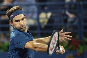 Dubai Championships: Chật vật loại Fucsovics, Federer cách cột mốc 100 đúng 2 trận thắng