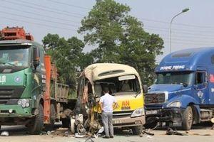 Bắt tạm giam lái xe tải gây tai nạn khiến 2 người tử vong trên Đại lộ Thăng Long