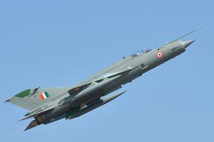 Truyền thông Ấn Độ miêu tả cuộc không chiến 3 chọi 1 ở Kashmir