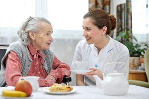 Cẩn trọng với bệnh rối loạn tiêu hóa ở người già
