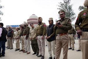 Pakistan trao trả trung tá phi công Ấn Độ bị bắt giữ tuần trước
