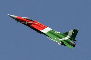 Chiến đấu cơ Ấn Độ bị bắn rơi bởi tiêm kích JF-17 do Pakistan và Trung Quốc hợp tác chế tạo?