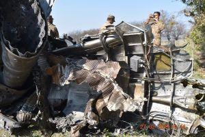 Máy bay Ấn Độ và Pakistan không chiến ở Kashmir, phi công người Ấn sẽ được thả