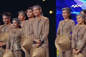 Quang Đăng bất ngờ mang nón lá, áo bà ba 'khuấy đảo' Asia's Got Talent 2019