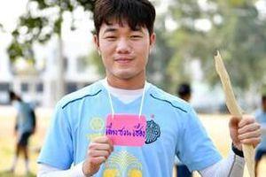 Sang Thái Lan, Xuân Trường đẹp trai đến lạ thường
