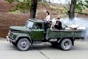 Tại Triều Tiên, loại ô tô 'cực độc' này vẫn phổ biến