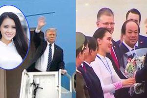 Nữ sinh tặng hoa Tổng thống Trump khi ông rời Việt Nam chiều 28/2 là ai?