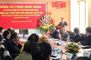 Trưởng ban Tổ chức Trung ương thăm Trường Đại học Khoa học xã hội và Nhân văn