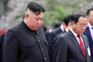 Chủ tịch Triều Tiên Kim Jong-un cùng phái đoàn đến viếng lăng Chủ tịch Hồ Chí Minh
