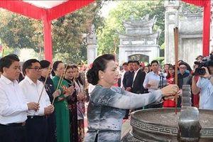 Gặp mặt nữ Đại sứ, Trưởng cơ quan đại diện ngoại giao và Nhóm nữ Đại biểu Quốc hội