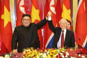 Ông Kim Jong un viếng Lăng Chủ tịch Hồ Chí Minh trước khi rời Việt Nam